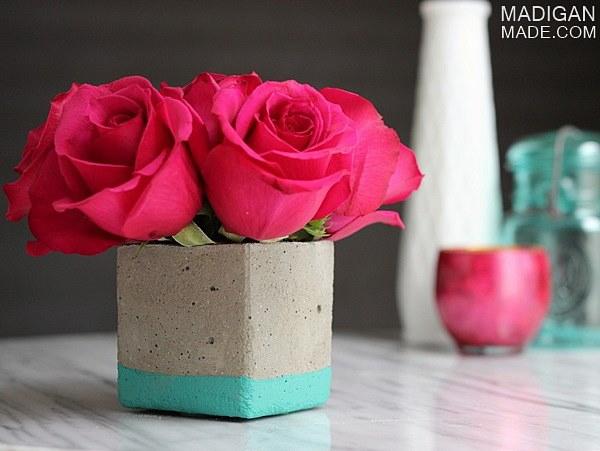 easy-diy-concrete-vase-01_zps8e1d4a2b