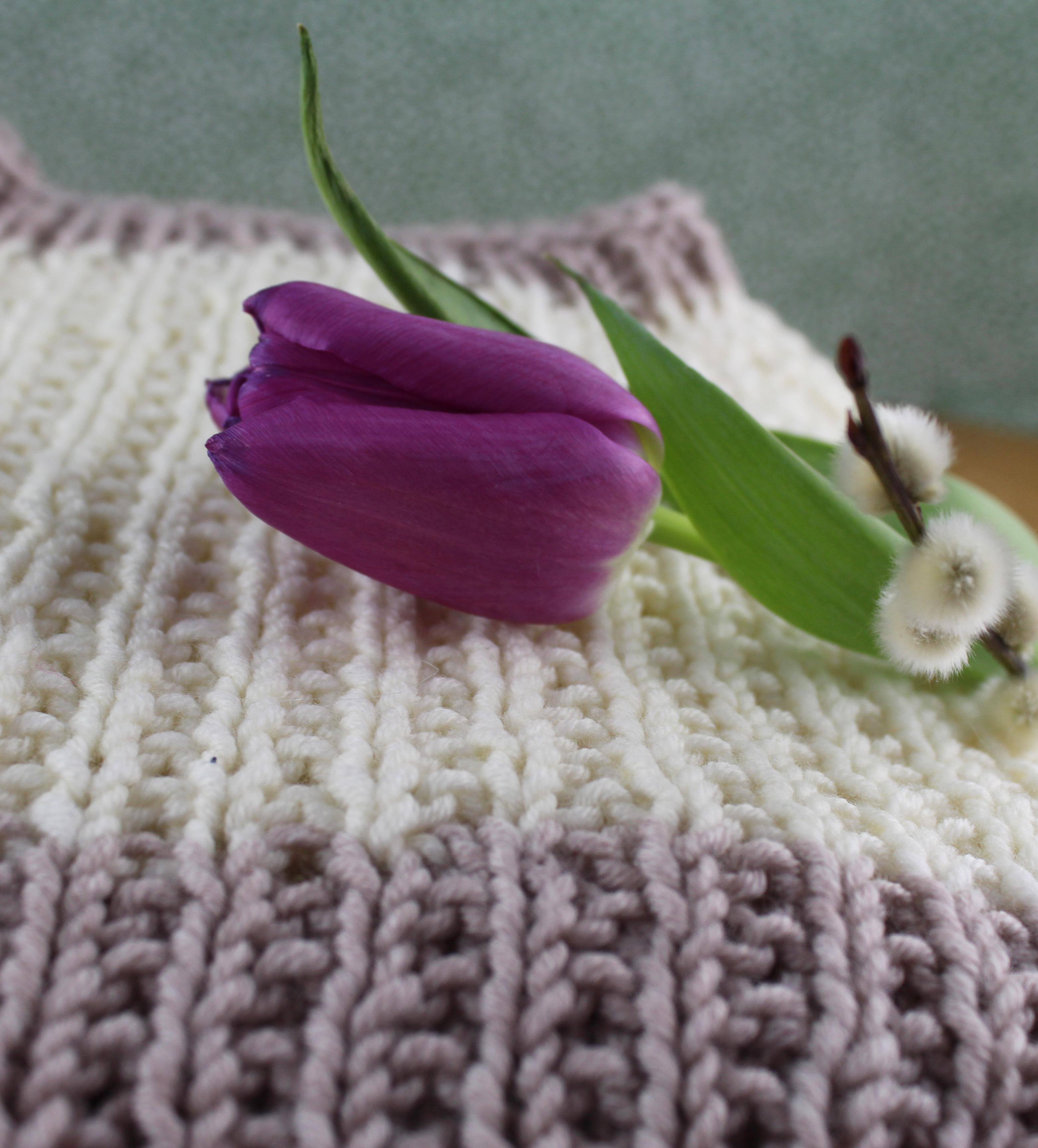 5369d140 Dette for at du skal ha nok tråd til å feste på baksiden når genseren er  ferdig.